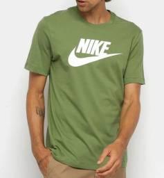 Camiseta Nike TEE Swoosh - Verde - Tam. P