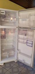 Vendo geladeira Electrolux DFW50