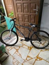 Bicicleta B-twin rockrider aro 26