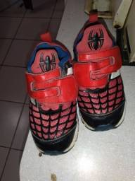 Vende um tênis do homem aranha n23