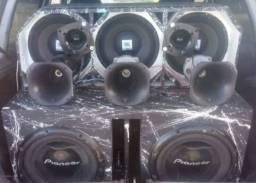 Vendo caixas de som completas toda boa vem de zap *