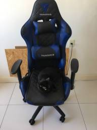 Cadeira gamer THUNDERX3 TGC12 preta com azul usada