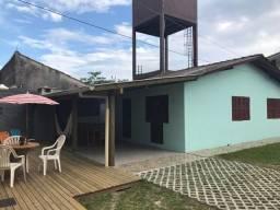 Casa Garopaba centro 450m do mar aluguel temporada verão férias veraneio carnaval