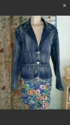 Vendo uma jaqueta jeans novinha não troco menos preço