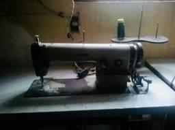 Máquina de costura Juki reta