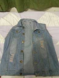 Colete jeans azul lavado tamanho G