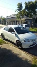 Toyota Etios sedan completo - 2014