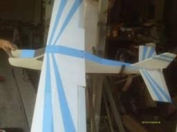 Aeromodelo Calmato