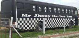 Ônibus barbearia