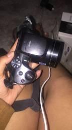 Câmera , com caixa e cabo ..