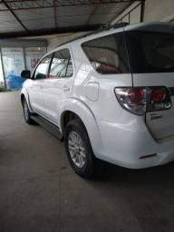 Vendo uma linda Toyota SW4 branca