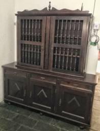 Conjunto de móvel antigo arca e mesa