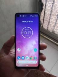Motorola one vision R$900