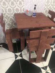 6 mesas e 14 cadeira por 350 reais pra vender rápido