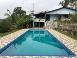 Sítio com 20.000 m² com bela casa e linda piscina com vista espetacular