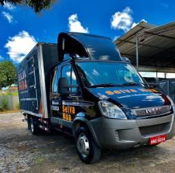 Caminhão iveco cabine dupla 7 lugares