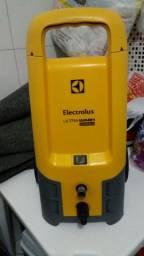 Lavadora de alta  pressão electrolux com defeito
