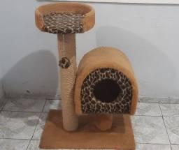 Casinha e arranhador para gatos