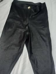 Calça  preta sintética semi nova