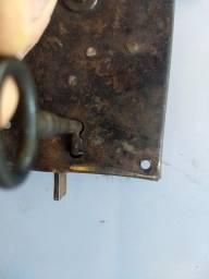 Fechadura Ferro Antiga Anos 20 ferro forjado funcionando + Chave