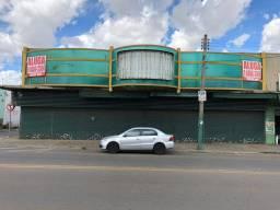 Aluga-se galpão com 970 metros quadrados em frente ao terminal do DERGO