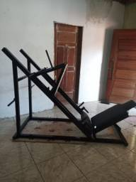 Máquina de musculação legg press