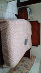 Cama de casal+colchão ortopédico . Madeira maciça