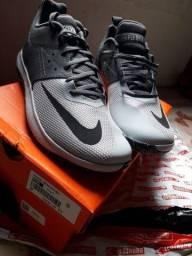 Vendo Tênis Nike Original Novo (Tamanho 44)