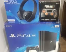 PlayStation 4 PRO + Fone oficial + Joystick edição especial