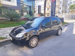Fiesta Hatch 1.6 Completo