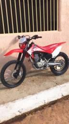 Vende-se CRF 230