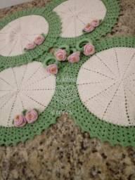 Kit de sousplat e porta guardanapos com flores - 4 peças
