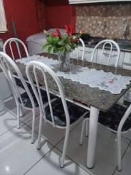 Mesa de mármore com 6 cadeiras entrego