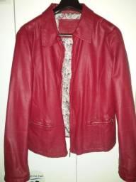 Jaqueta de couro vermelha. Tamanho G .
