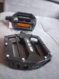 Pedal GTS de alumínio com refletivos rosca Grossa