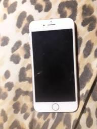 Vendo ou troco IPhone 8 novo 3 capinhas carregador e caixa.