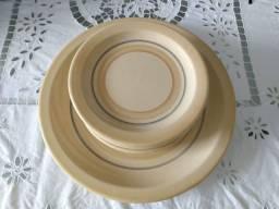 Jogo de pratos de sobremesa de cerâmica