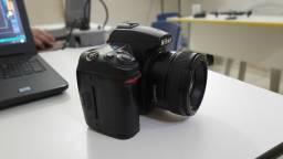 Nikon d7000 usada com lente 35mm 2.0 youngnuo