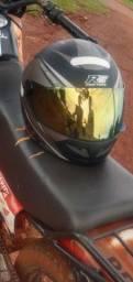 Vendo capacete R8
