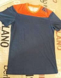Camiseta Adidas. Tamanho M