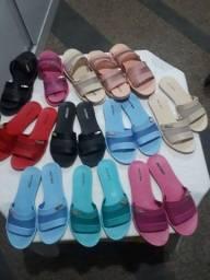 Vendo sandálias melissa