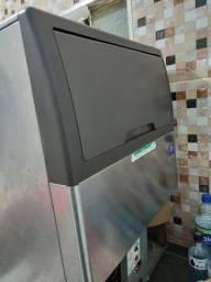 Maquina de gelo