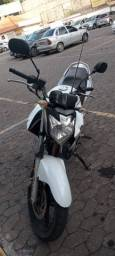 Fazer 250 13/14. Troco por moto ate 7.000.venda ou troca.