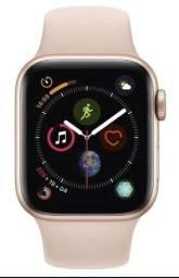 Apple Watch Series 4. 40 mm Alumínio Dourado, Pulseira Esportiva Rosa