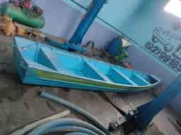 Canoa / bote 5700
