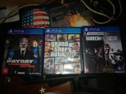 Vendo 3 jogos de PS4 pelo preço de 1