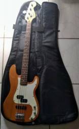 Baixo Squier Precision (Fender)