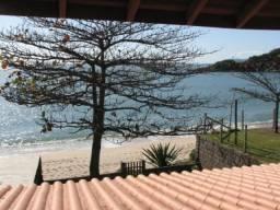 Casa a beira mar c/ 4 quartos na Costeira da Armação. Gov. Celso Ramos