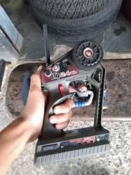 Carrinho de controle remoto a gasolina