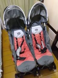 Carrinho para bebês gêmeos da marca Chicco